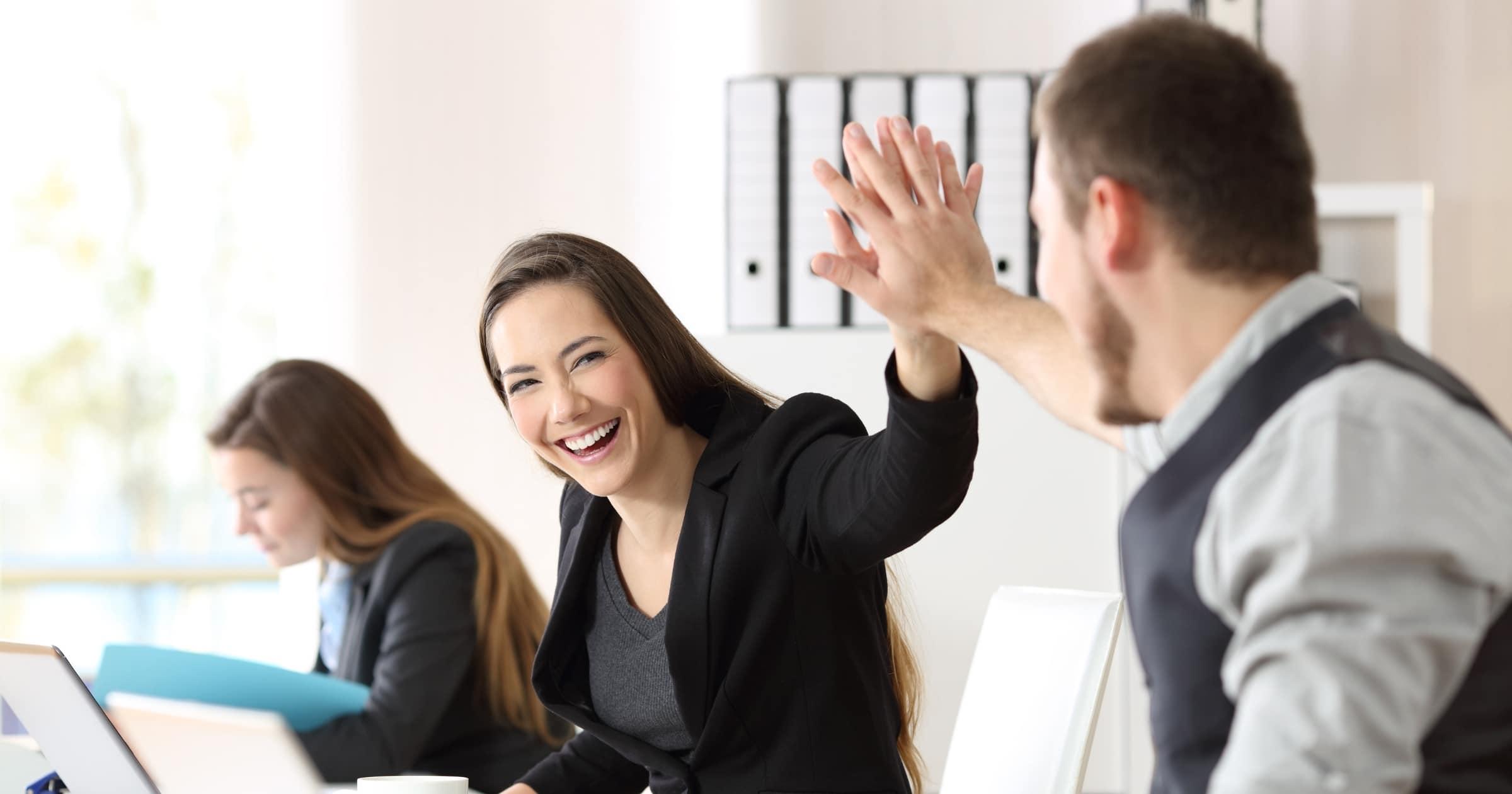 Benefícios extrassalariais: conheça os melhores seguros para os seus colaboradores